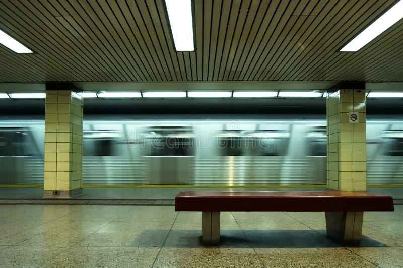 sideviewgångtunnel royaltyfri fotografi