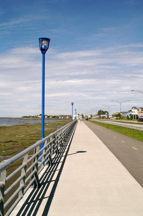 Free Sidewalk Royalty Free Stock Image - 1037626