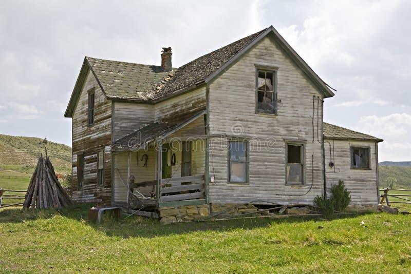 siding внапуска дома старый стоковая фотография