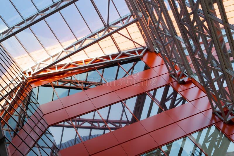 siding Metallplattor dubblett-glasade fönster royaltyfri bild