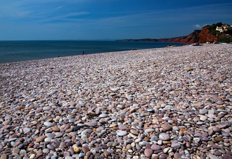 Sidmouth的Pebble海滩在德文郡 免版税库存图片