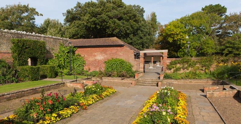 Sidmouth Connaught arbeta i trädgården Devon England UK arkivfoton