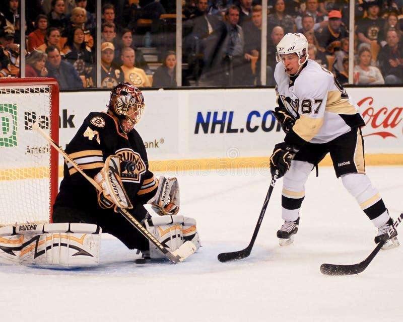 Sidney Crosby e Tuukka Rask immagini stock libere da diritti