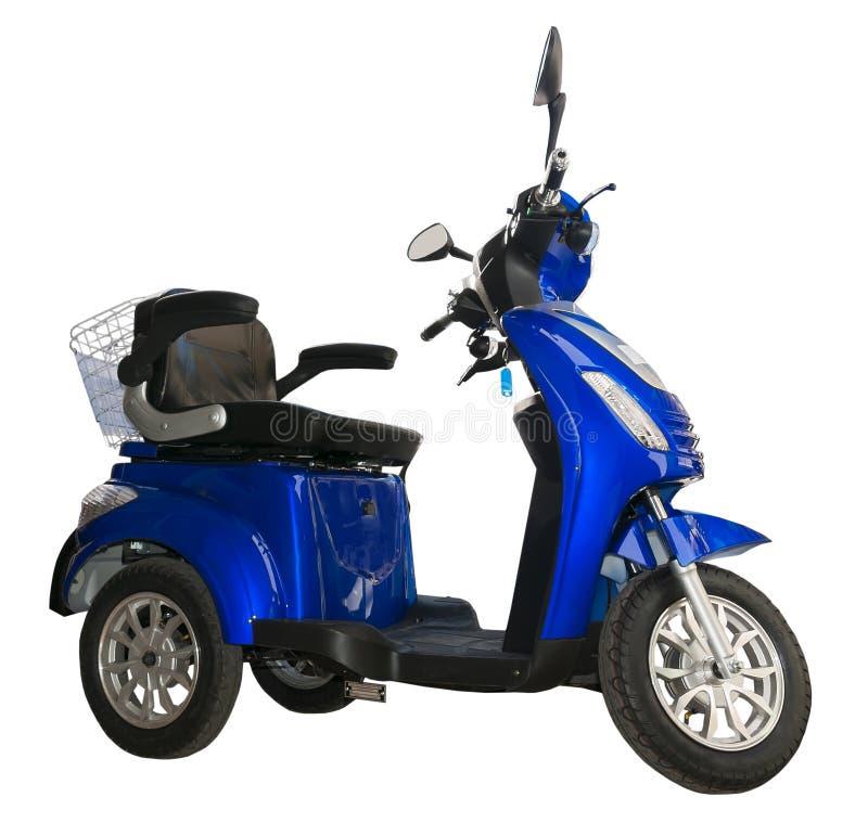 Sidosikten av en blått, tre rullar den elektriska sparkcykeln royaltyfria bilder