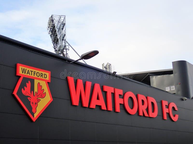 Sidov?gg av stadion f?r Watford fotbollklubba, ockupationv?g, Watford royaltyfria bilder