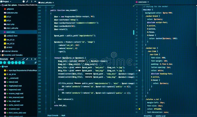 Sieć rozwoju kod: CSS/SASS stylów preprocessor pismo wykłada w kodu redaktorze, frontowy widok zdjęcie royalty free