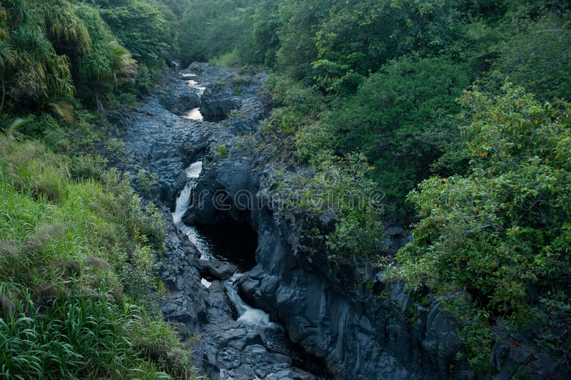 Sieben heilige Pools in Maui Hawaii lizenzfreie stockbilder