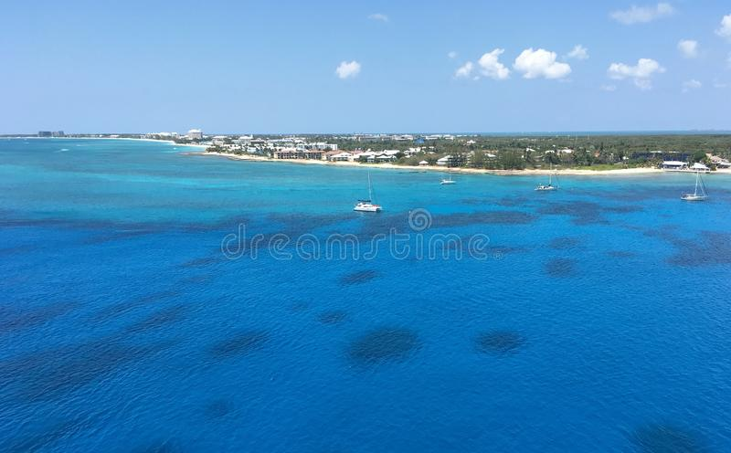 Sieben Meilen Strand in Grand Cayman lizenzfreies stockbild