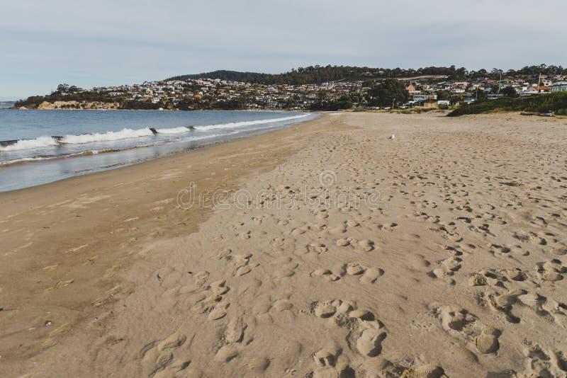 Sieben-Meilen-Strand in Tasmanien, Australien stockbilder