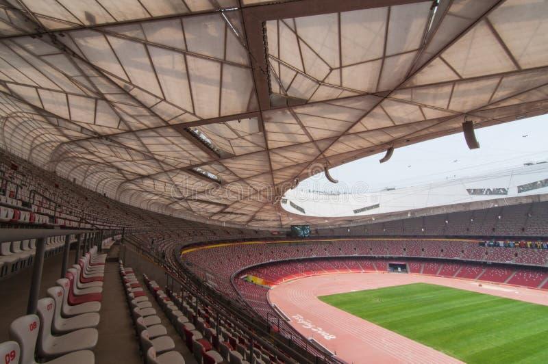 Siedzenia i zieleni pole w Krajowym stadium, Pekin, Chiny na 22 2013 Maju fotografia stock