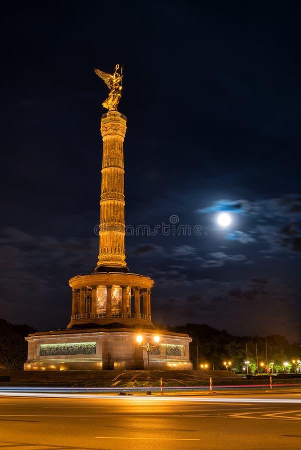 Download Siegessäule em Berlim imagem de stock. Imagem de atração - 65575265