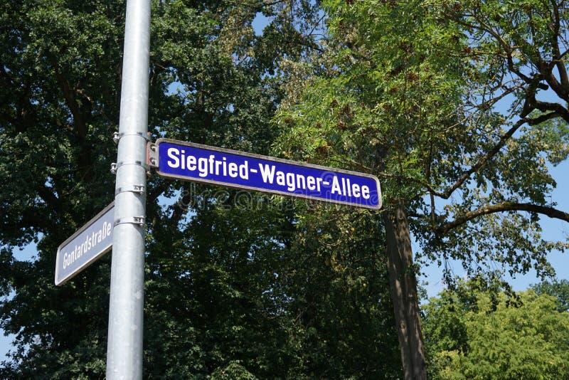 Siegfried Wagner Allee, Bayreuth, Alemania imagen de archivo libre de regalías