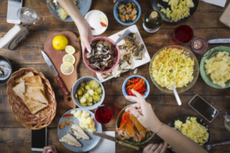 Sieht wie einer Blume nach innen aus Abendessen, Lebensmittel, unterschiedlich, Tabelle, Essen im Freien stockfoto