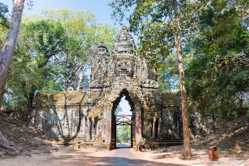 Siem Reap Cambodja - December 11 2016: Norr port i Angkor Thom A arkivbild