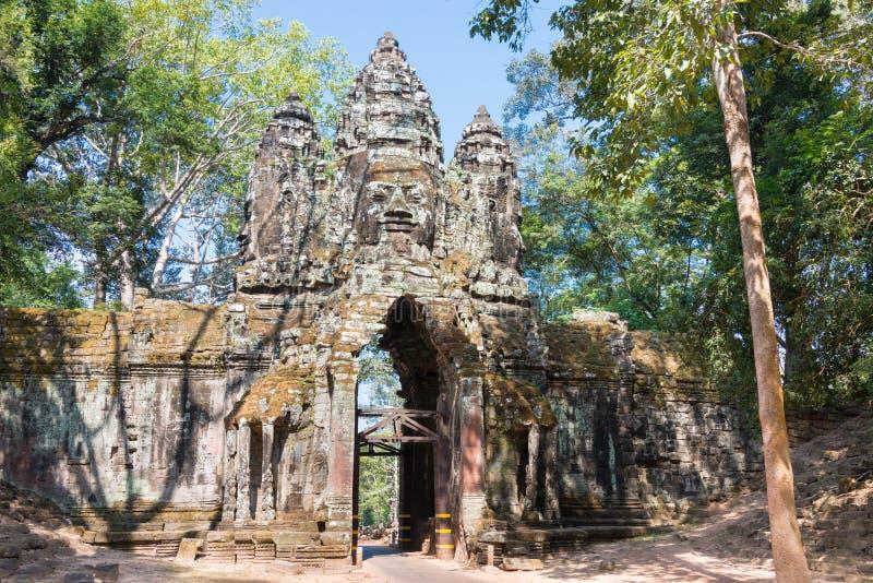 Siem Reap Cambodja - December 11 2016: Norr port i Angkor Thom A arkivbilder
