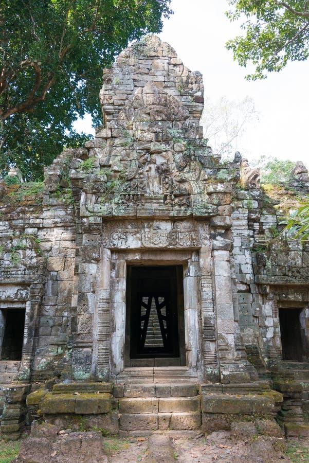Siem Reap Cambodja - December 10 2016: Preah Palilay i Angkor Thom fotografering för bildbyråer