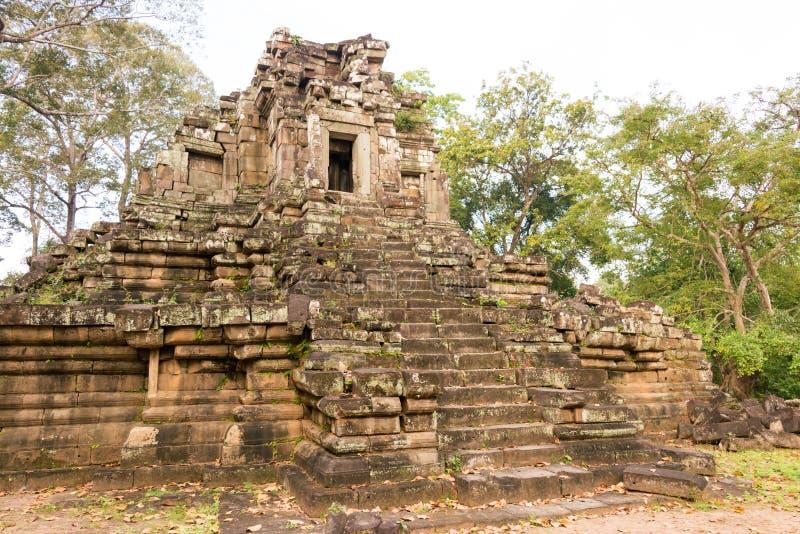 Siem Reap Cambodja - December 10 2016: Preah Pithu i Angkor Thom A fotografering för bildbyråer