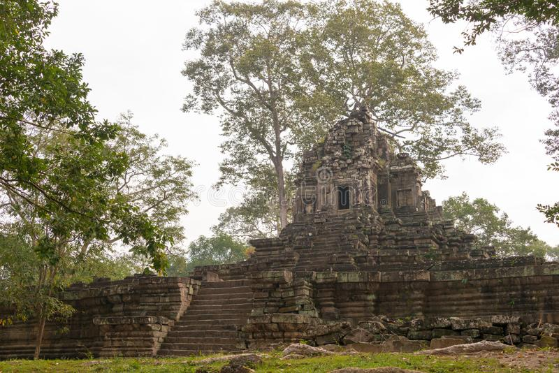 Siem Reap Cambodja - December 10 2016: Preah Pithu i Angkor Thom A arkivfoton