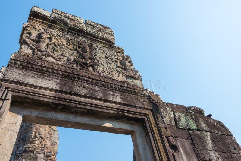Siem Reap Cambodja - Februari 3 2015: Angkor Thom ett berömt historiskt arkivfoto