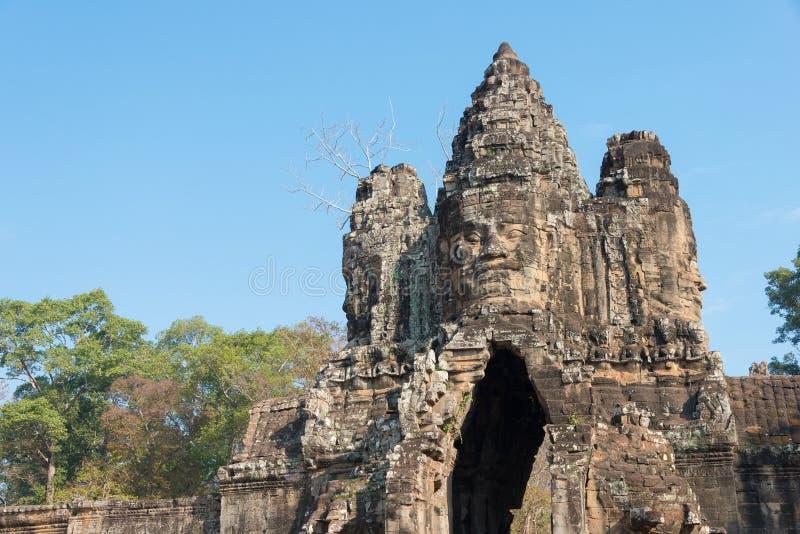 Siem Reap Cambodja - Februari 3 2015: Angkor Thom ett berömt historiskt arkivfoton