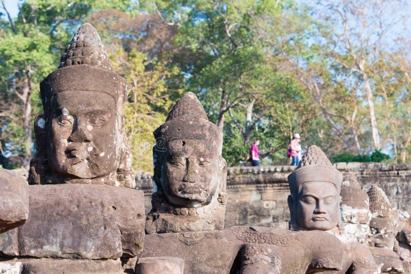 Siem Reap Cambodja - Februari 4 2015: Angkor Thom ett berömt historiskt arkivbild