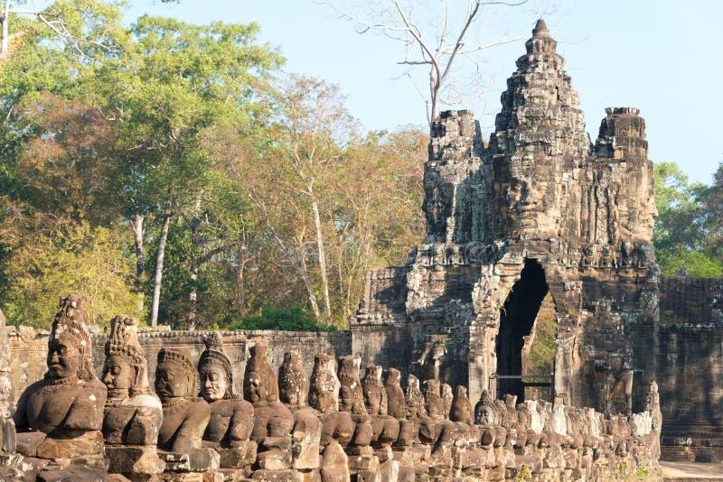 Siem Reap Cambodja - Februari 4 2015: Angkor Thom ett berömt historiskt royaltyfri fotografi