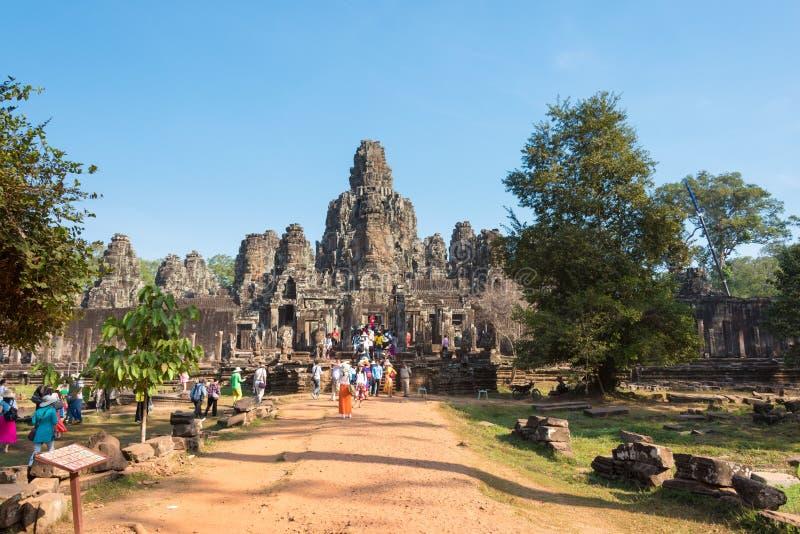 Siem Reap Cambodja - Februari 4 2015: Angkor Thom ett berömt historiskt royaltyfria foton