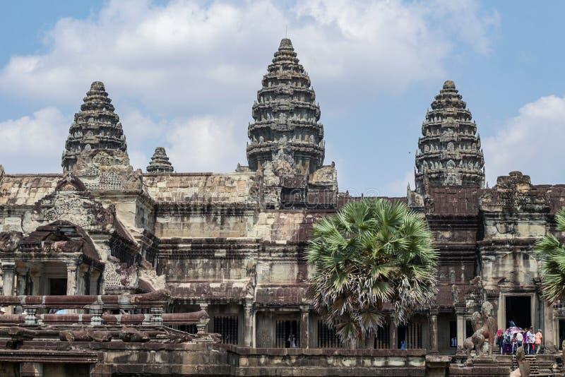 Siem Reap Cambodja - 22 mars 2018: Turist i den Angkor Wat templet, Cambodja Angkor Wat sikt arkivbilder