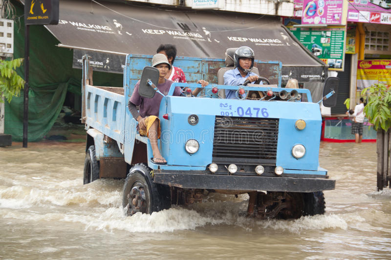 Download Siem Reap flooding editorial photo. Image of rain, lake - 21886261