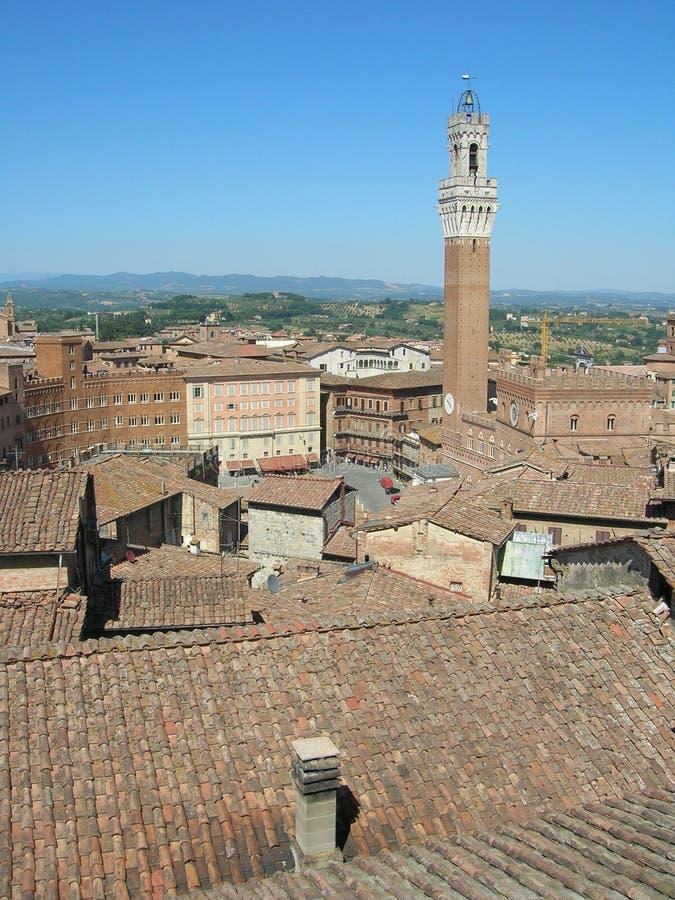 Siena-Dachspitzen lizenzfreie stockfotos