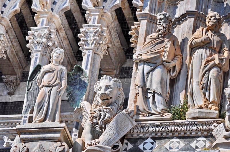 Siena domkyrkadetalj royaltyfri bild