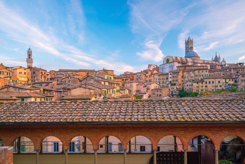 Siena horizon de van de binnenstad in Italië royalty-vrije stock fotografie