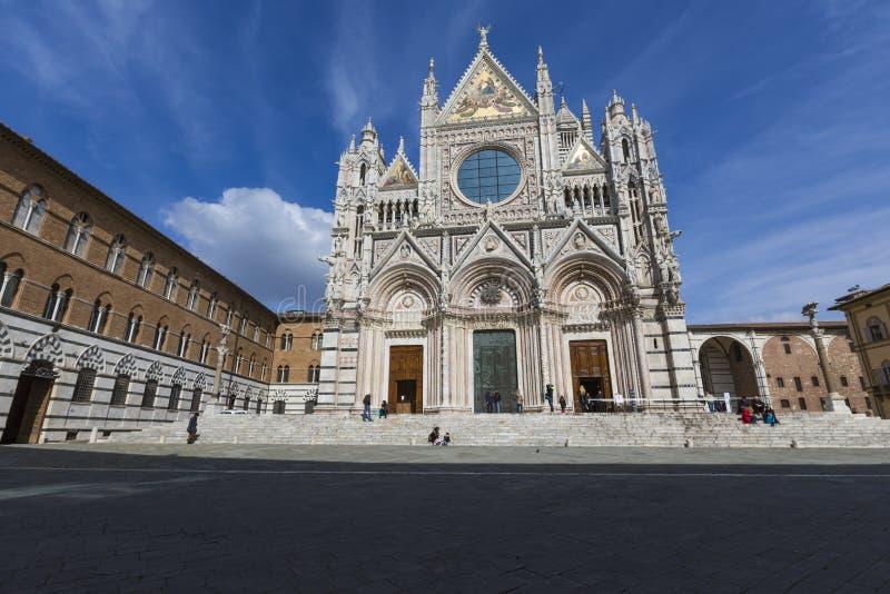 SIENA, ITALIA - 10 DE MARZO DE 2016: Santa Maria Assunta Cathedral fotos de archivo