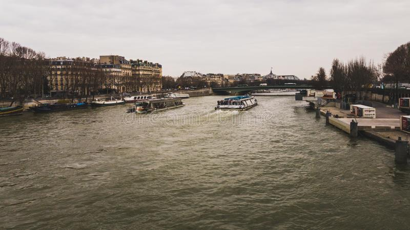 Siena Paris River royaltyfri bild