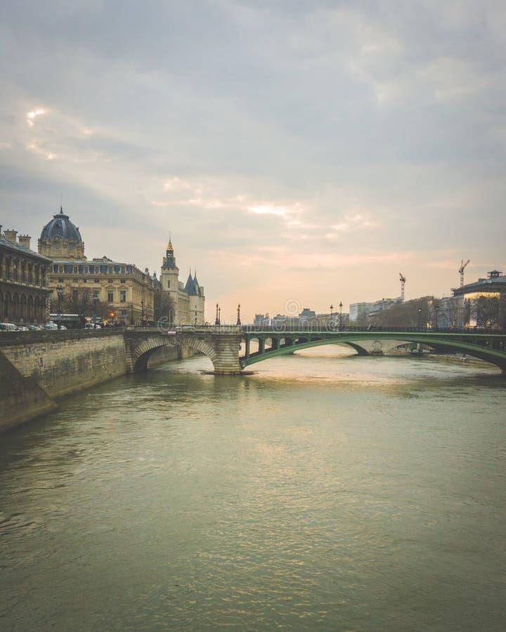 Siena Paris River fotografering för bildbyråer
