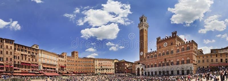 Siena Square Day Pan royaltyfri foto