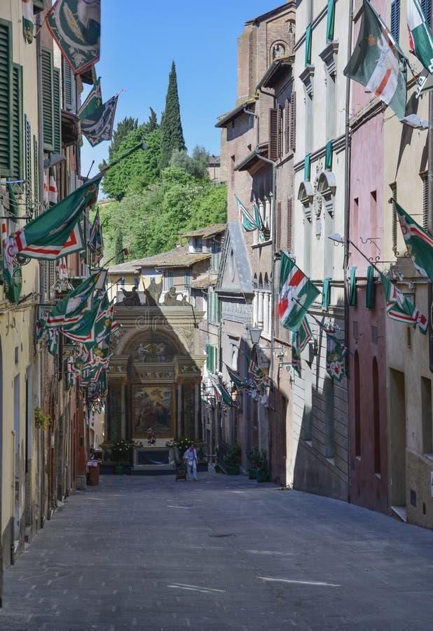 Siena Toscânia Italia Europa decked com contrade das bandeiras fotos de stock royalty free