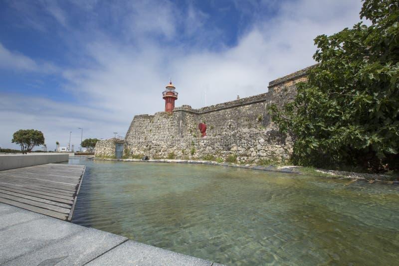 7 2014 SIERPIEŃ Portugalia, SANTA CATARINA latarnia morska W FIGUEIRA DA FOZ - zdjęcia royalty free