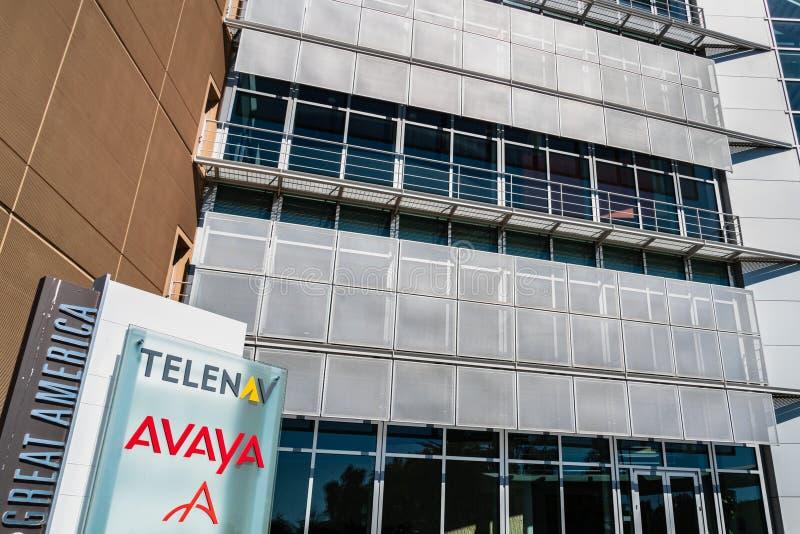 Sierpień 1, 2019 Santa Clara, CA, usa/- Avaya i Telenav kwatery główne lokalizować w Krzemowa Dolina; Avaya specjalizuje się w bi zdjęcia stock