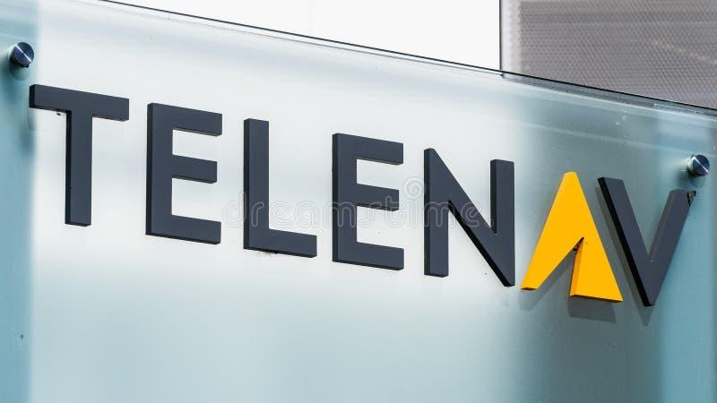 Sierpień 1, 2019 Santa Clara, CA, usa/- Telenav znak wystawiający przy ich HQ w Krzemowa Dolina; Telenav Inc jest bezprzewodowym  fotografia stock