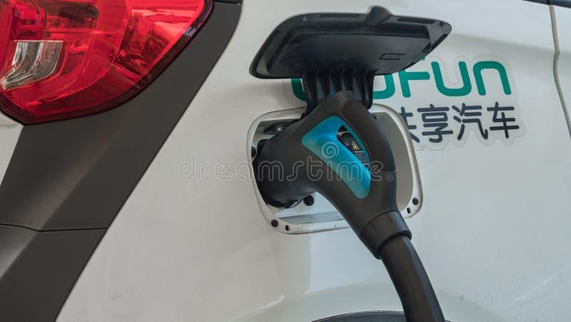 16 Sierpień, 2018 Suzhou miasto, Chiny Źródło zasilania dla elektrycznego samochodu ładować załaduj elektryczny samochód stację 4 zdjęcia stock