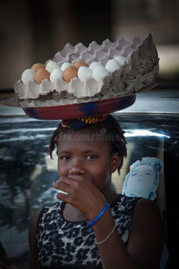 Sierra Leone, Africa occidentale, il villaggio di Yongoro immagini stock libere da diritti