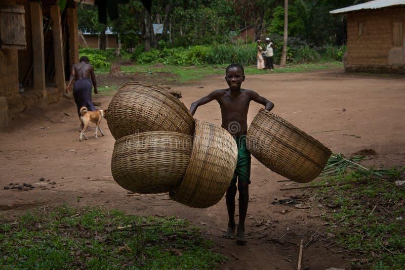 Sierra Leone, Africa occidentale, il villaggio di Yongoro fotografie stock
