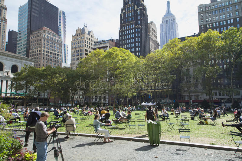 siesta at bryant park midtown manhattan new york city. Black Bedroom Furniture Sets. Home Design Ideas