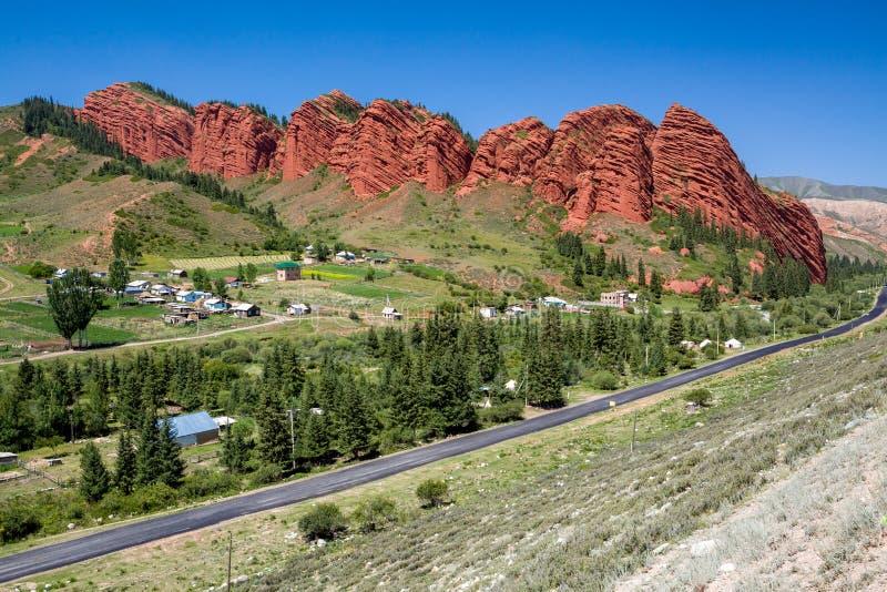 Siete toros - formación de roca. Kirguistán imágenes de archivo libres de regalías