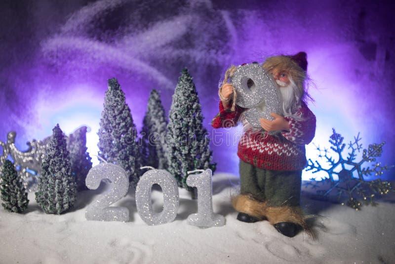 2019 siffror på snön Lyckligt nytt 2019 år begrepp Töm utrymme för din text arkivfoton