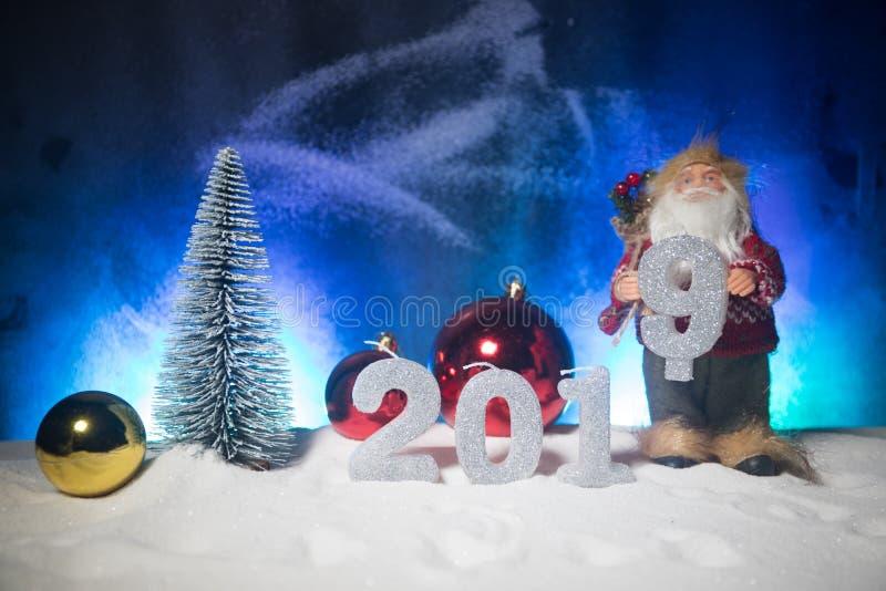 2019 siffror på snön Lyckligt nytt 2019 år begrepp Töm utrymme för din text arkivfoto