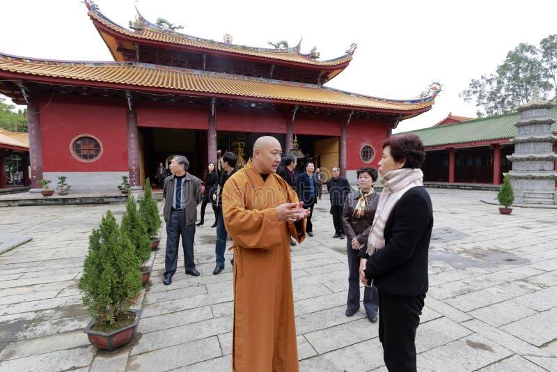 Sig.ra che huangling ha visitato il tempio di brahma fotografia stock