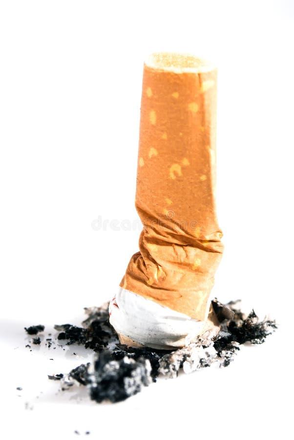 Sigaret uiteinden uitgedrukte V2 stock foto