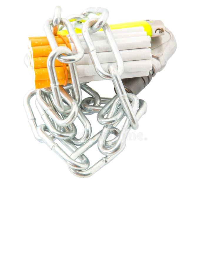 Sigaretta, accendino e Catene IV immagini stock